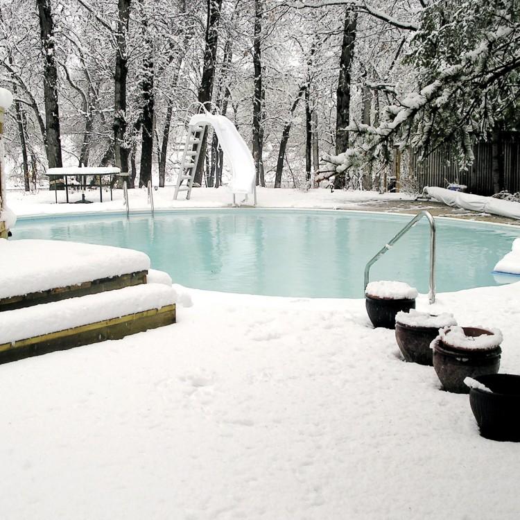 Siete pasos para poner a punto tu piscina después del invierno