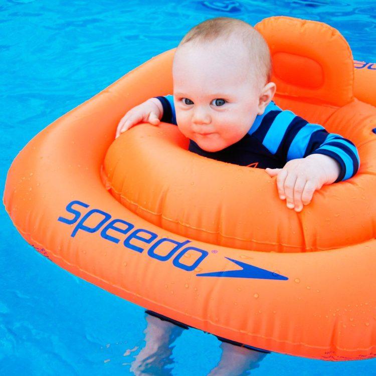 ¿A qué edad deben aprender a nadar los niños?