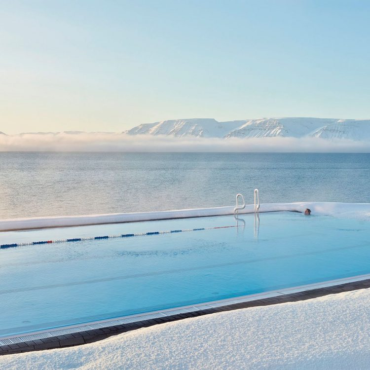 Abrir la piscina tras el invierno, paso a paso