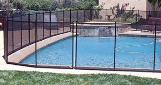 los cerramientos de Gre para la seguridad de las piscinas