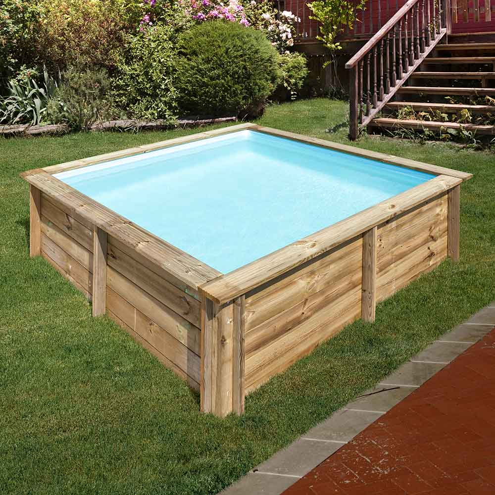 square wood Gre pool