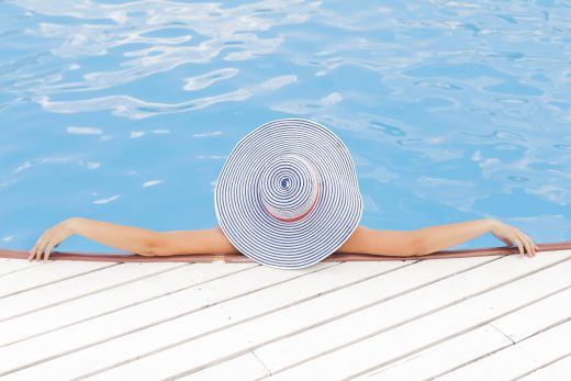 How to clean a swimming pool: the best options