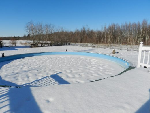Piscinas en invierto: protégelas con tu cubre piscinas